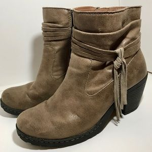 ♥️b.o.c. Born brown leather booties ankle boots